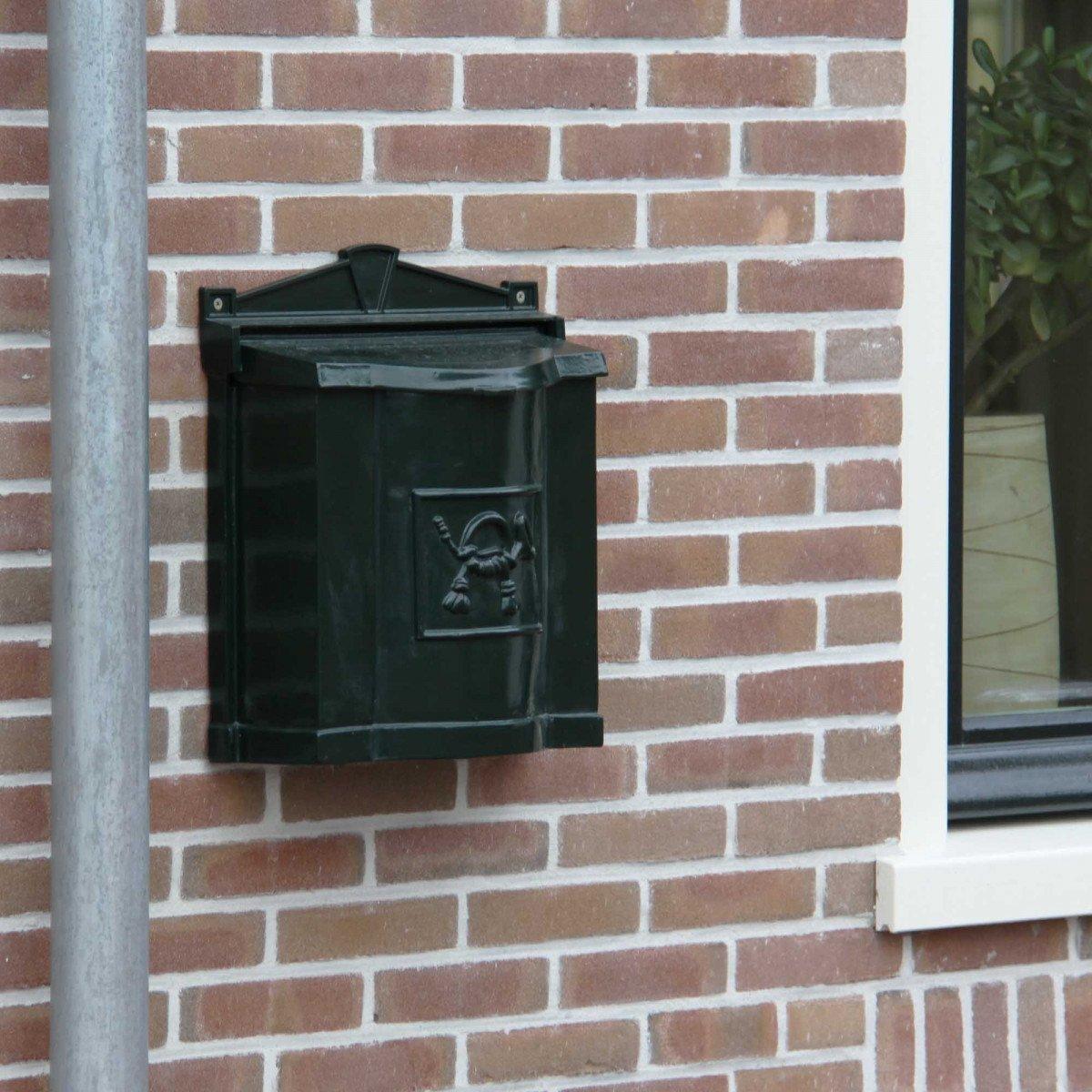 Klassischer Briefkasten B21 für die Wand
