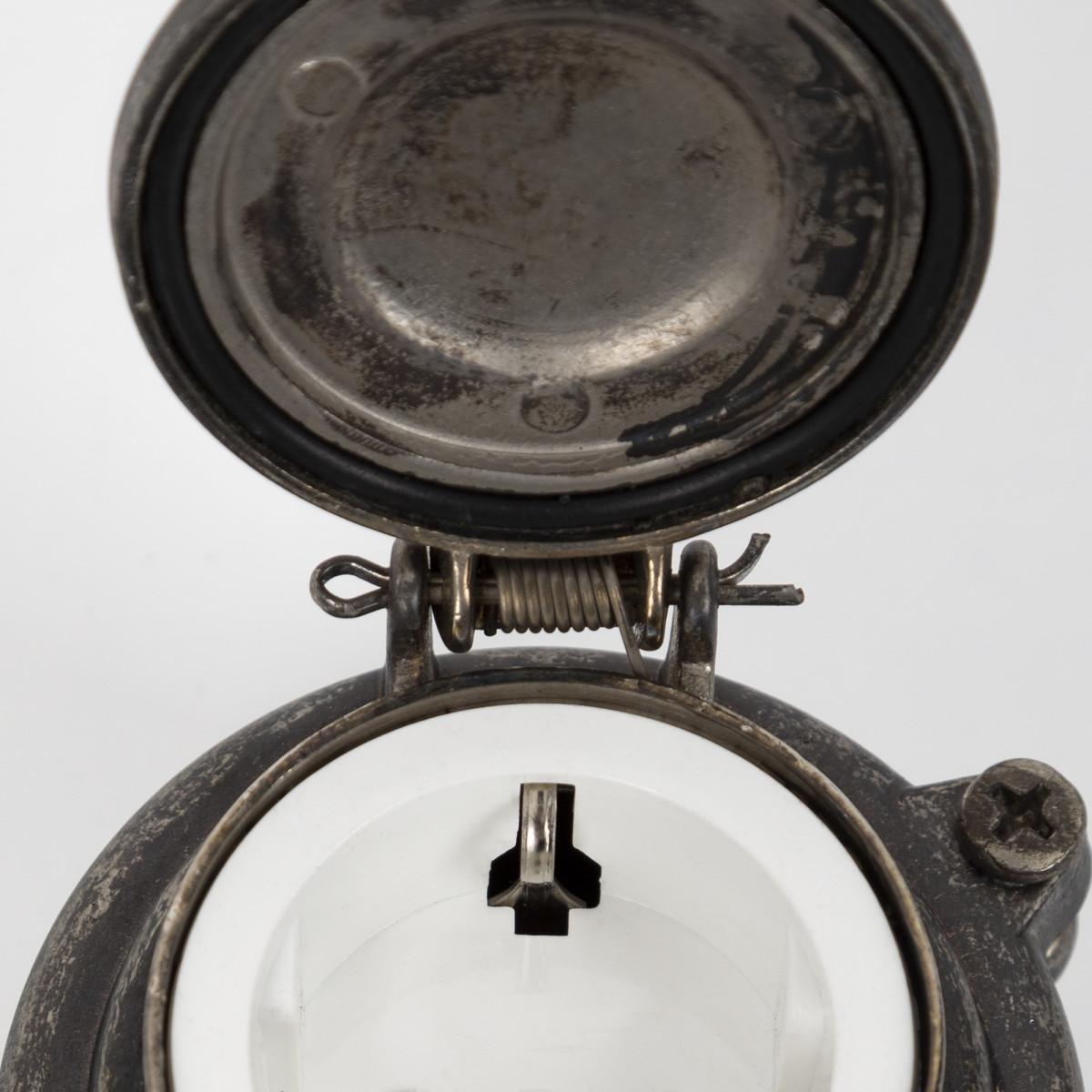 30er Jahre Steckdose II Zinn