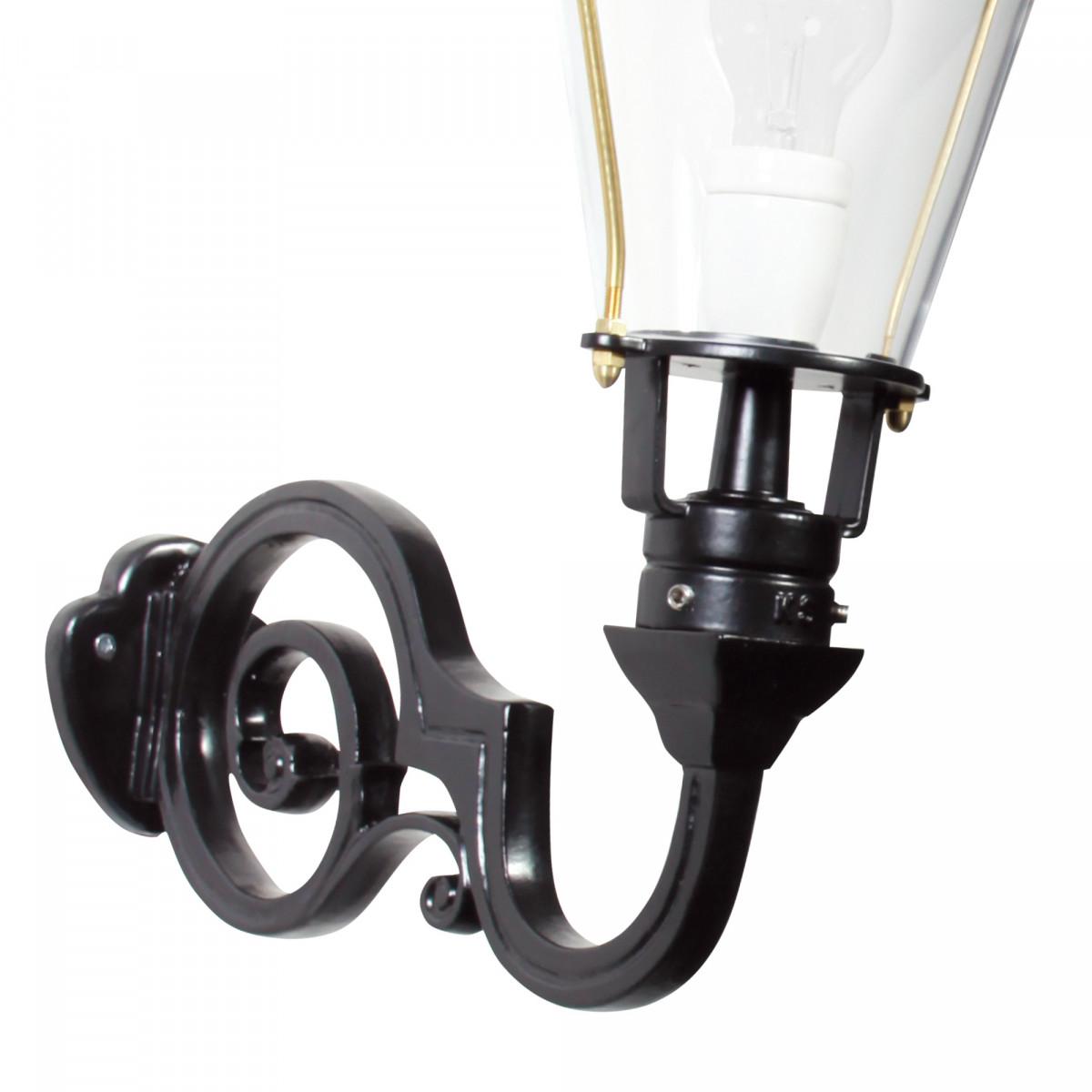 Klassische Wandleuchte Amstel M mit Dämmerungssensor LED