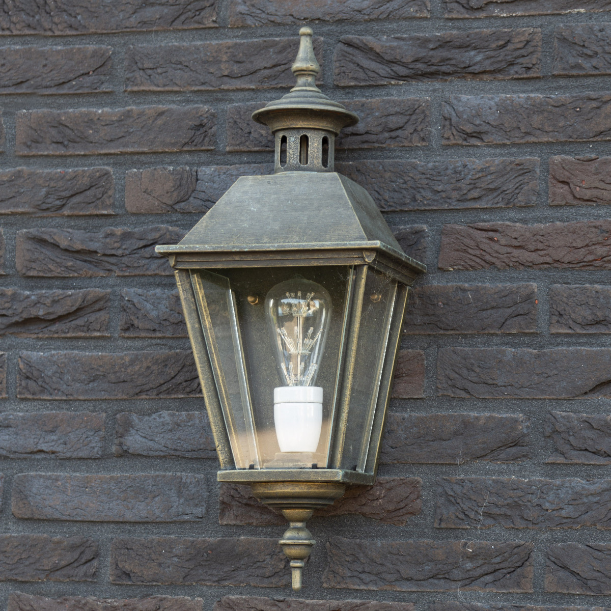 Flache Außenwandleuchte Oranjeburg Bronze