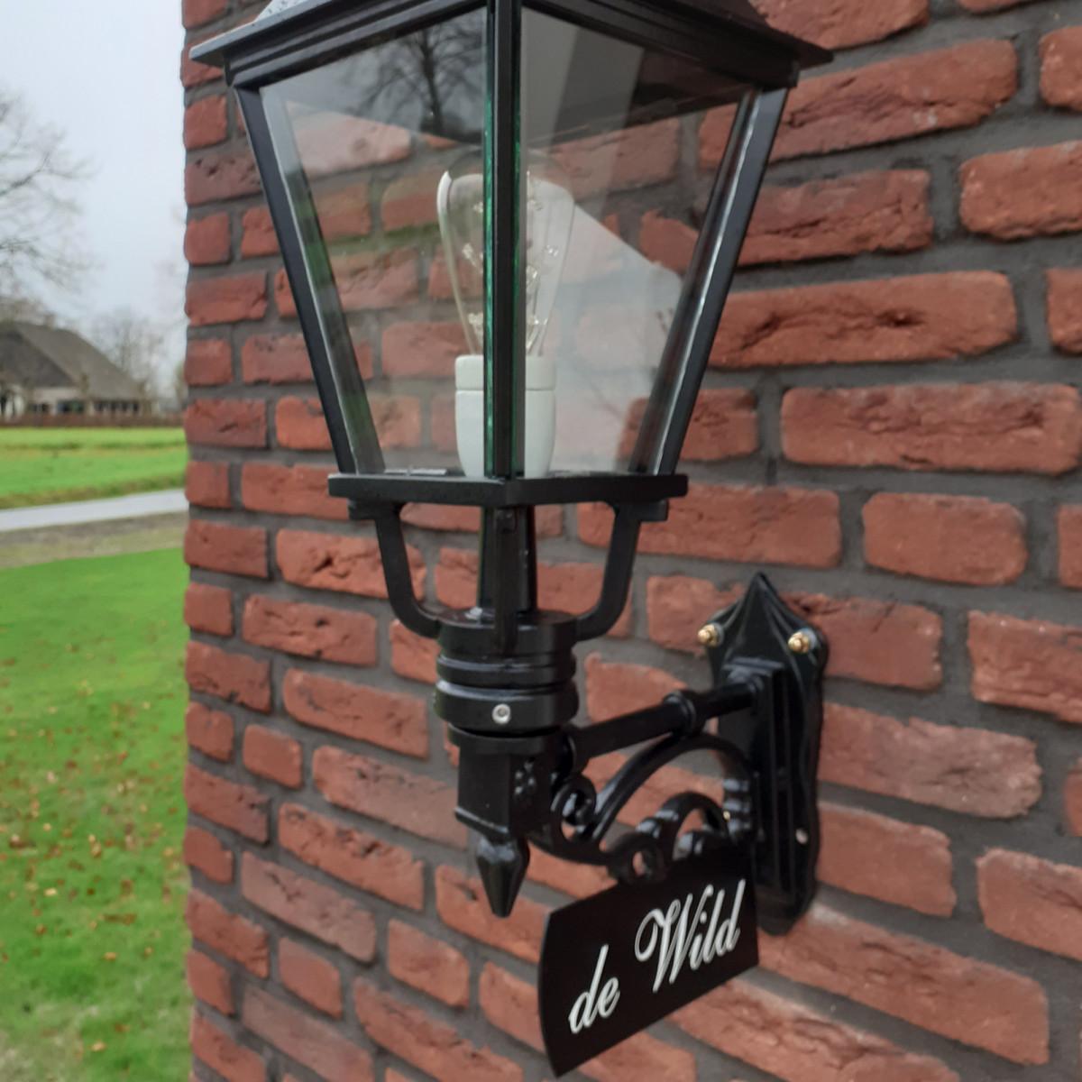 Klassische Außenwandlampe Heemstede L inkl. Namensschild