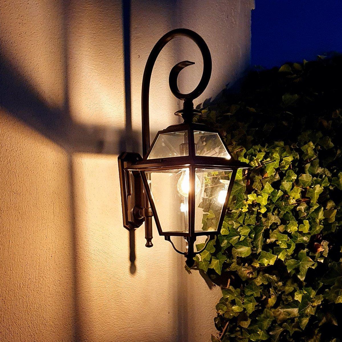 Elegante Wandleuchte Außenlampe Amstelrade S, KS Außenleuchte, Klassisches Außenlampenmodell Aluminium von hochwertiger Qualität mit Pulverbeschichtung.