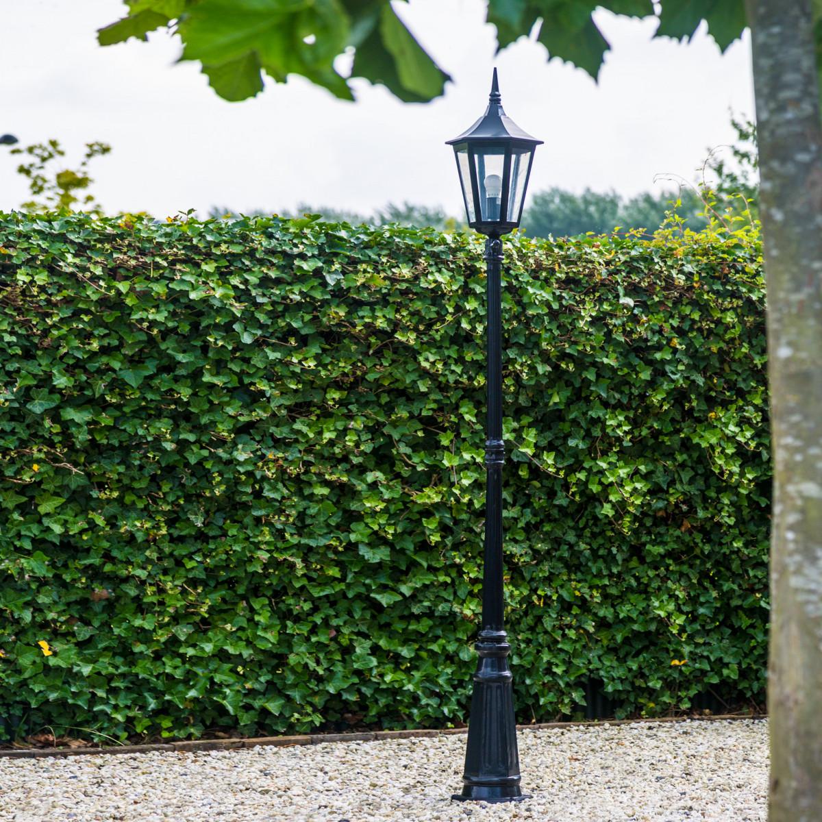 Gartenlaterne semi-klassisches Design