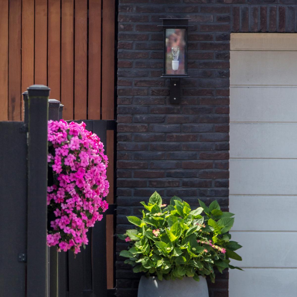 Praag Wandlampe - Außenleuchte - Zeitloses Design - die optimale Außenbeleuchtung - Nostalux