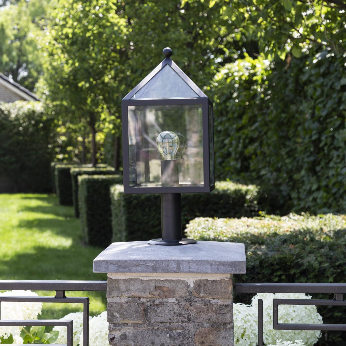 Bloemendaal Sockelleuchte schwarzer Pulverbeschichtung versehenem Edelstahl Gartenleuchte für klassische als auch für moderne Architektur und Gärten